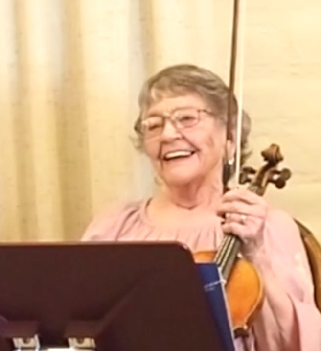 Dorothy Randolph performs on the violin